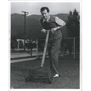 1942 Press Photo Bill Kennedy Actor Voice Artist - RRR74641