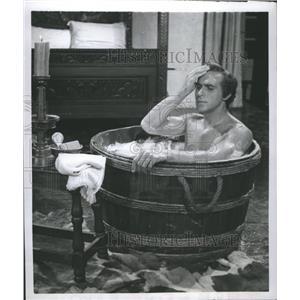 1950 Press Photo Ricaboo Montalban Star Movies Bathe - RRR75179