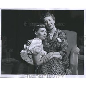 1957 Press Photo Mrs. Charles H. Strauss Jr. Actress - RRR91635
