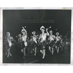 1948 Press Photo Newreport Nodressed Babies Parade Amer