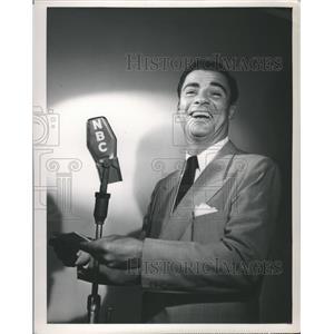 1953 Press Photo Parks Radio Broadcasting New York City