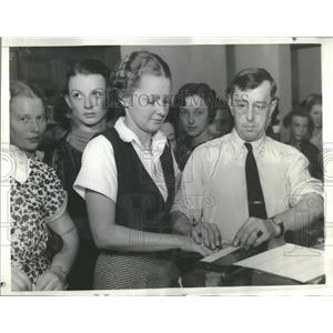 1936 Press Photo Finger Printing
