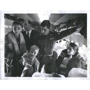1961 Press Photo Hungarian Refugees Flight To Germany - RRR91651