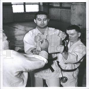 1960 Press Photo Lerie Wyne Hale Hotel Coach