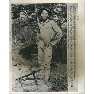 1965 Press Photo Vietcong Teenage Soldier Captured
