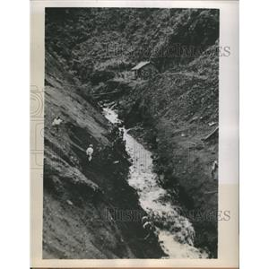 1900's Press Photo of A Ditch