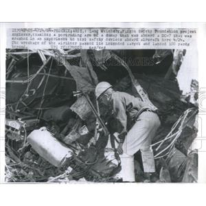 1964 Press Photo Protruding Arm DC-7 Experiment Crash - RRR22693