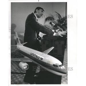 1989 Press Photo United Air lines Major World Aircraft