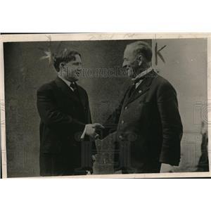 1919 Press Photo Governors William P Hobby of Texas & JBA Robertson of Oklahoma