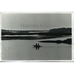 1990 Press Photo Cedar Key, Florida Marsh Islands Rowboat Ride - mja39279
