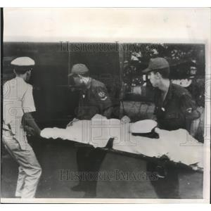 1966 Press Photo American Navy Officer Wounded at Saigon Catholic Cathedral