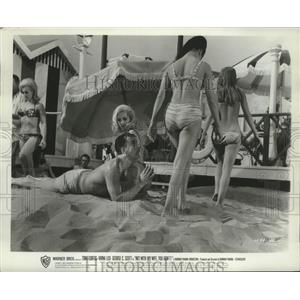 1966 Press Photo Tony Curtis in beach scene in Not With My Wife You Don't