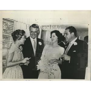 1959 Press Photo Alberto Broccoli, bride Dana Wilson, Cary Grant & Mrs Katelman