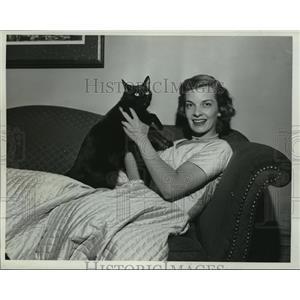 1952 Press Photo Connie Clauser, TV actress  - mjx22833