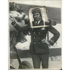 1929 Press Photo Lieutenant A.W. Gordon, Pilot - nef43826