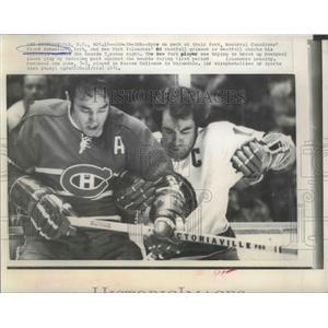 1973 Press Photo Montreal Canadians' Frank Mahovlich & NY Islanders' Ed Westfall