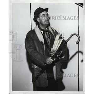 """1965 Press Photo Ian Carmichael in the play """"Boeing Boeing"""""""
