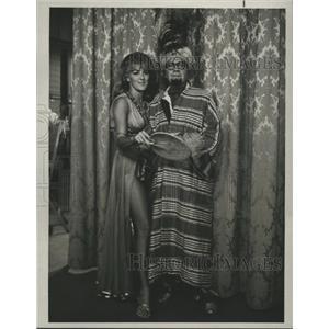 1965 Press Photo Jack Benny Show with Jack Benny & Lorry Williams - lfx01237