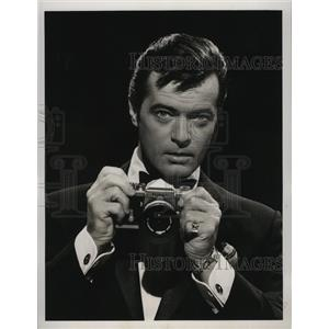 1965 Press Photo Spotlight with baritone Robert Goulet starring - lfx01280