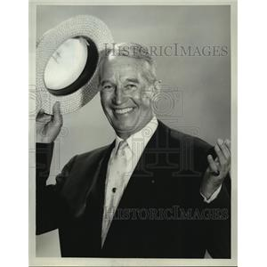 1964 Press Photo The Hollywood Palace guest host Maurice Chevalier - lfx03076