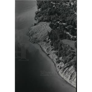 1985 Press Photo Lake Michigan erosion, aerial view - mja42320