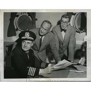 1947 Press Photo Capt.Alden Graham , James Powers and Commander Attilio Gatti