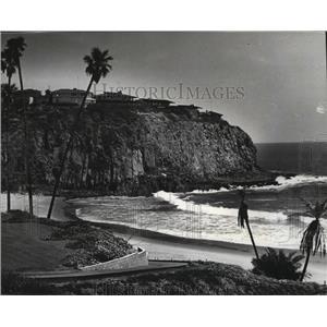 1985 Press Photo Scenic Emerald Bay near Laguna Beach, California - spa35386