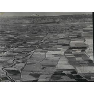 1965 Press Photo Aerial view looking west over the Columbia basin - spa36102