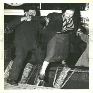 1937 Press Photo Magda De Fontanges Actress Deportation