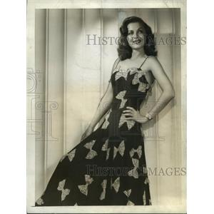 1942 Press Photo Hollywood CA Carol Bruce in black crepe dinner dress