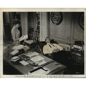 1961 Press Photo Lover, Come Back starring Rock Hudson, Karen Norris - lfx03801