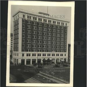 1918 Press Photo Gallant building