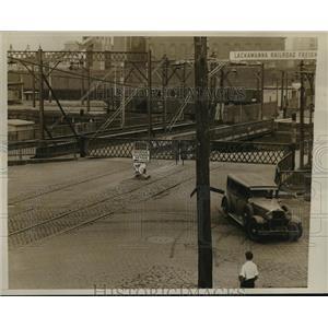 1934 Press Photo Washington Street Newton Creek Bridge, Closed for Repairs