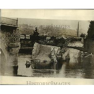 Press Photo Bridge Destroyed by Artillery, World Wair I - ftx00037