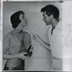 "1957 Press Photo Actors Ava Gardener, Walter Chiari on ""The Sun Alson Rises"" Set"