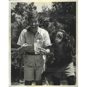 1966 Press Photo Dick Van Dyke & a chimp named Dickey - lfx04443