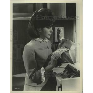 1966 Press Photo Penelope from MGM starring Natalie Wood - lfx04712
