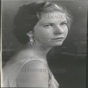 1934 Press Photo Miss Long to be presented at Court