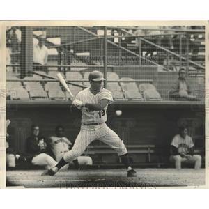 1971 Press Photo Tim Foli  of the Mets at spring training batting practice