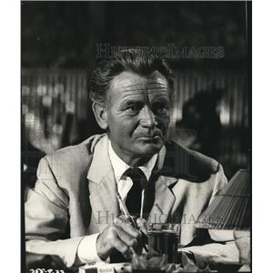 1962 Press Photo Tiara Tahiti starring John Mills - lfx04751