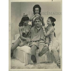 1966 Press Photo A Funny Thing Happened on way the to the Forum with Zero Mostel