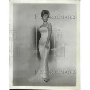 1964 Press Photo American actress Jane Powell for a film role - lfx05040