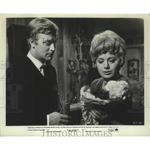"1965 Press Photo Michael Caine and Shirley Winters in ""Alfie"" - lfx05274"