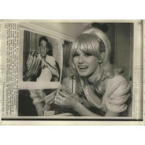 1966 Press Photo Actress Mamie Van Doren & AP photo of husband Lee Meyers
