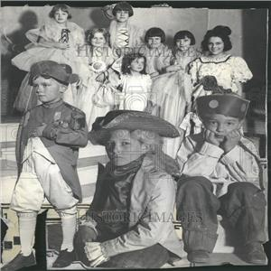 1927 Press Photo Children to present Play - RRY10283