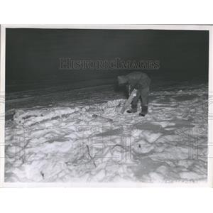 1947 Press Photo Arctic Rescue