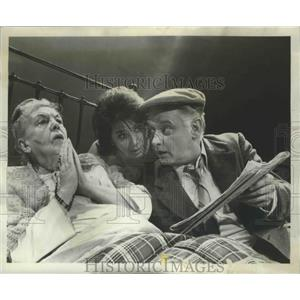 "1969 Press Photo Grania O'Malley, Anna Manahan, Art Carney in ""Lovers"" Play"
