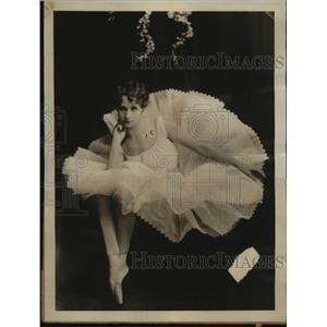 1925 Press Photo Swedish ballet dancer Neysa Mathe Wihr sues Ralph Montgomery