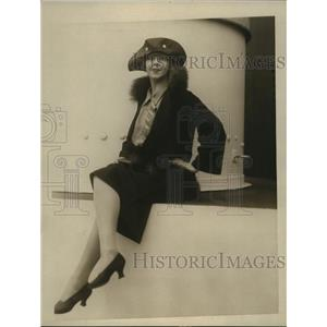 1924 Press Photo Marjorie Brooks of Charlot's Revue wed Jack Esmond in NYC