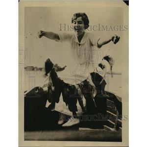 1924 Press Photo Madge Kennedy actress fishing at Norwalk CT - sbx00862